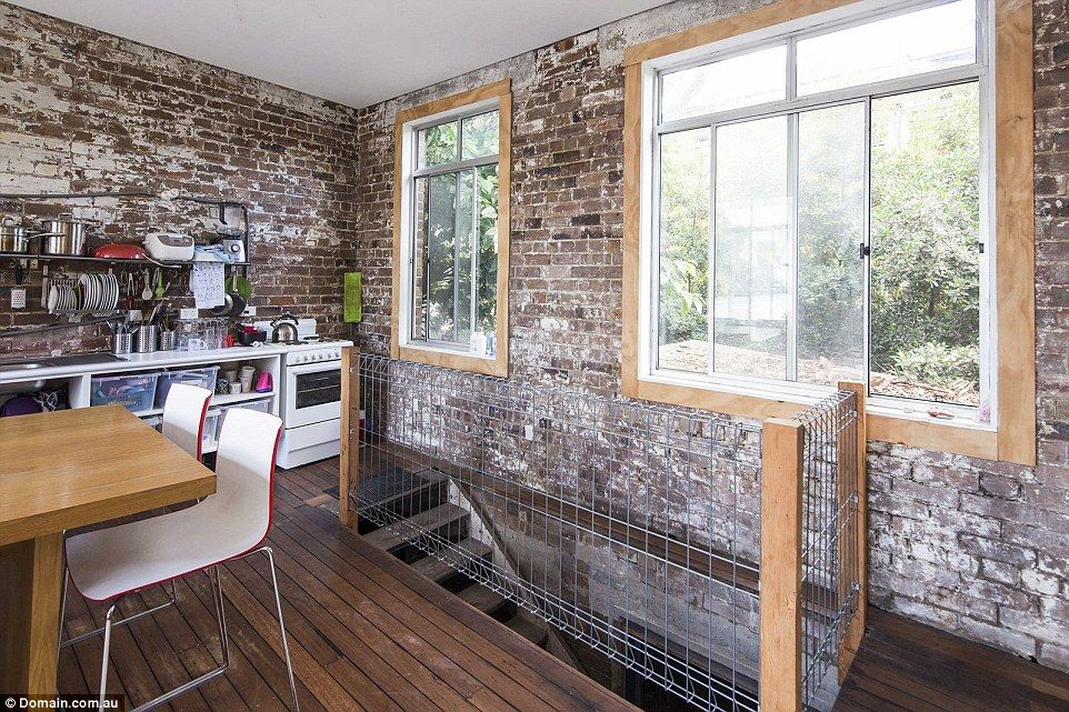 Hipsters minimalist warehouse conversion sells for 3