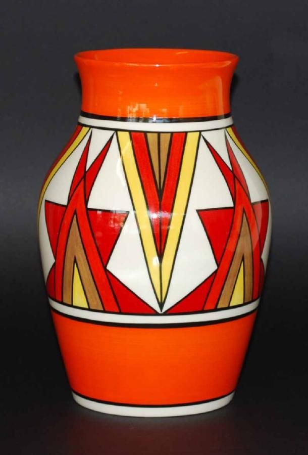 Wedgwood Clarice Cliff Bizarre Vase The Centenary Collection