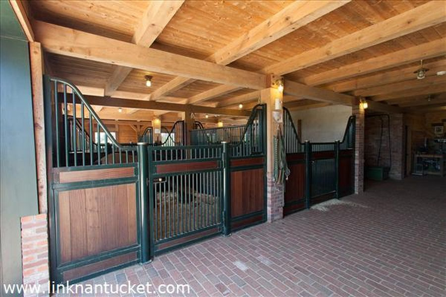1 W Chester St, Nantucket, MA 02554 | Stable Interiors