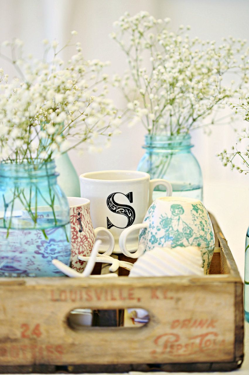 Superb Beach Cottage Beachy Coastal Table Decor And A Well Rounded Tart