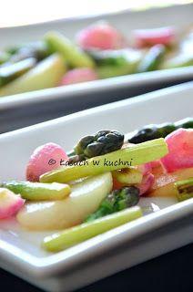 Radishes sauteed with kohlrabi and asparagus http://www.skoraczek.blogspot.com/2013/06/rzodkiewki-smazone-z-kalarepka-i.html