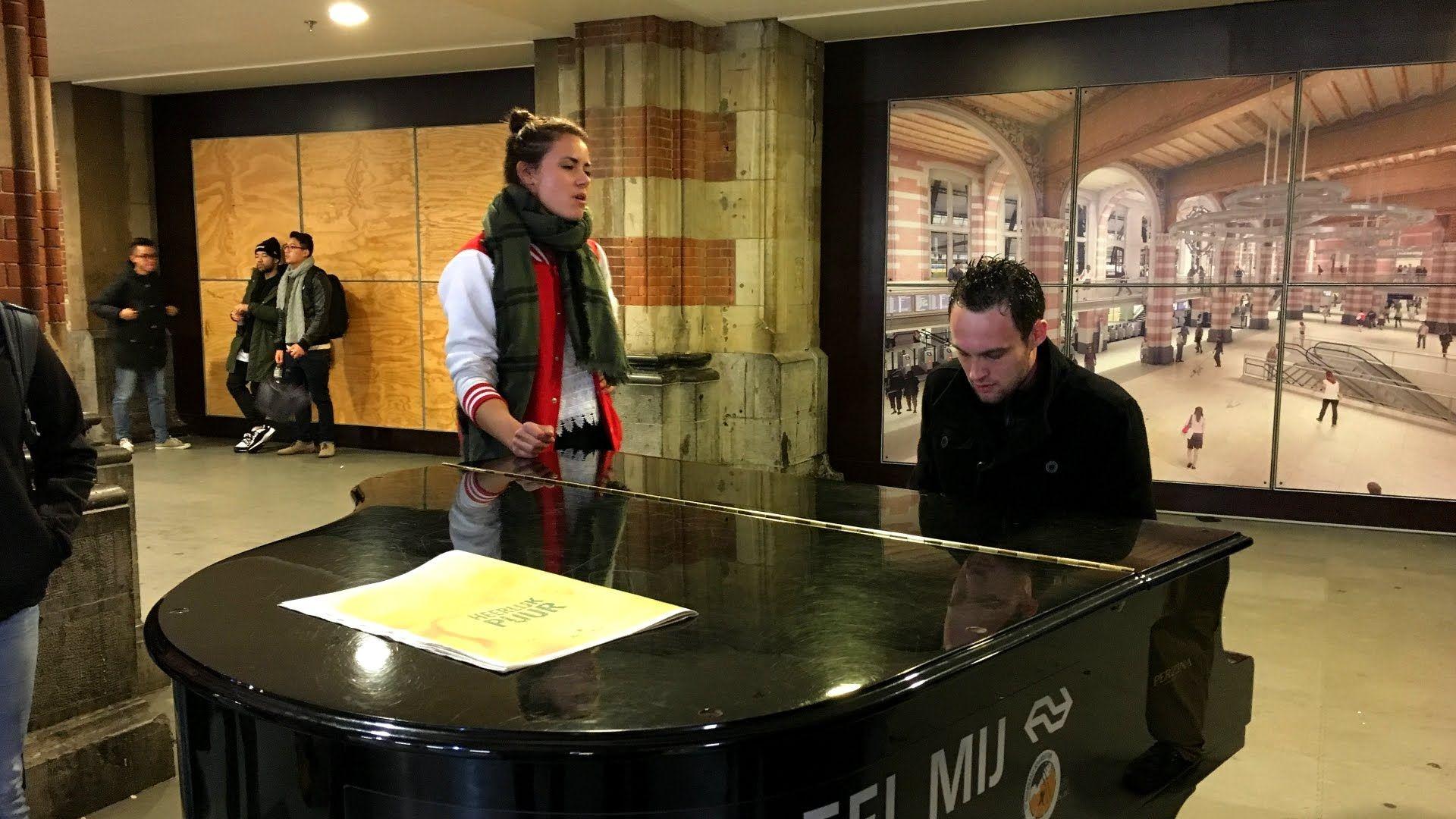 Amazing Random Piano Session @ Amsterdam Centraal Station