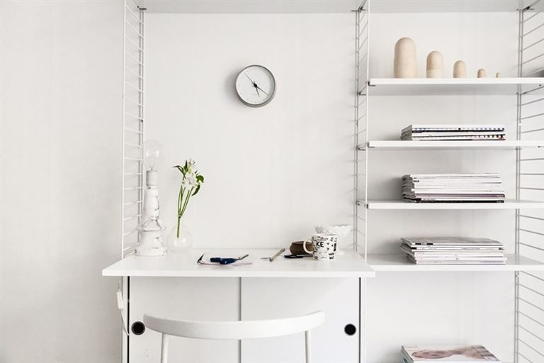 String shelves by Niks Strinning