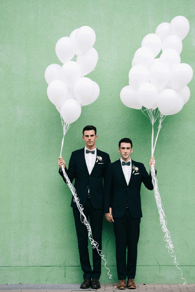 Unsere Hochzeitsfotos So Machen Echte Manner Das Hochzeitsfotos Homosexuelle Hochzeit Hochzeit