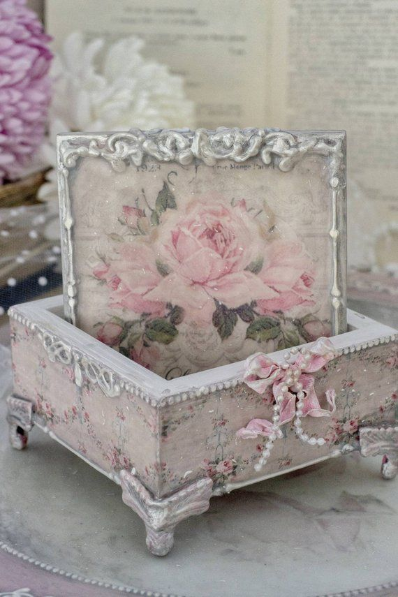 Shabby chic box with roses, vintage decoupage box, shabby chic decor, jewellery box, decoupage box, vintage box, victorian