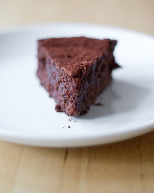 moey's kitchen: Saftiger Schokoladen-Maronen-Kuchen nach Sir Paul McCartney