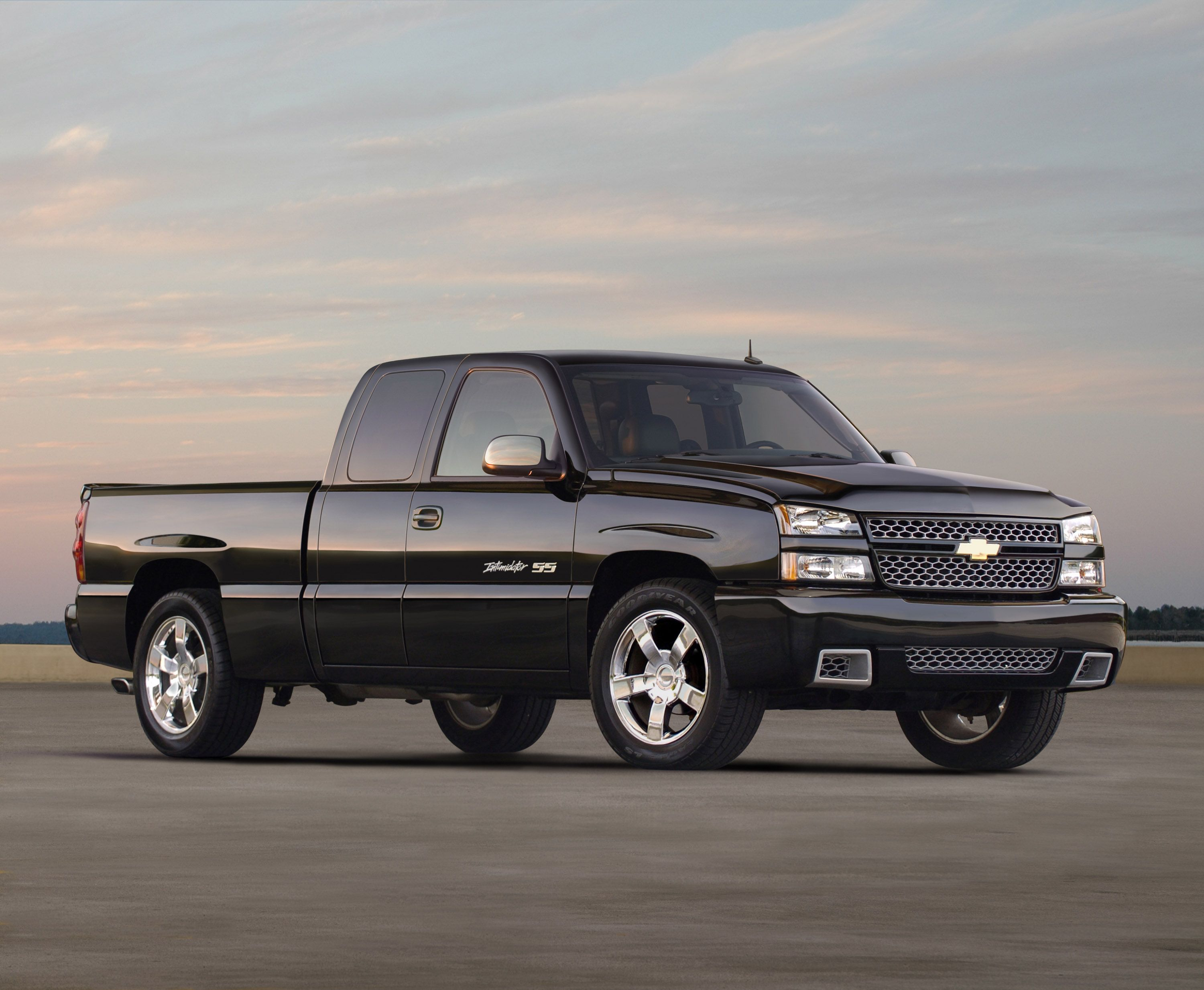 Chevrolet silverado 454 ss 345 horsepower and 380 pound feet of torque