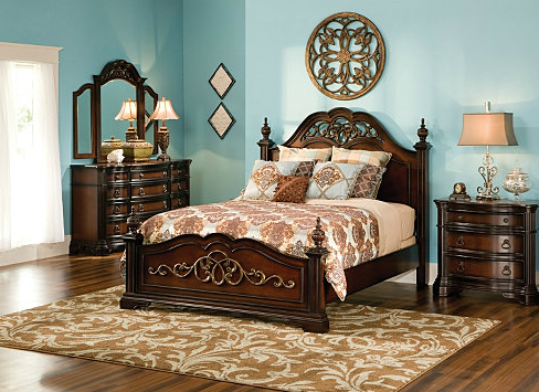 Bedroom U2022 Turquoise And Beige Color Theme U2022 Cherry Oak/Mahogany Wooden  Drawers And Bed