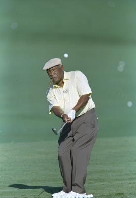 38++ Black golf caddy viral