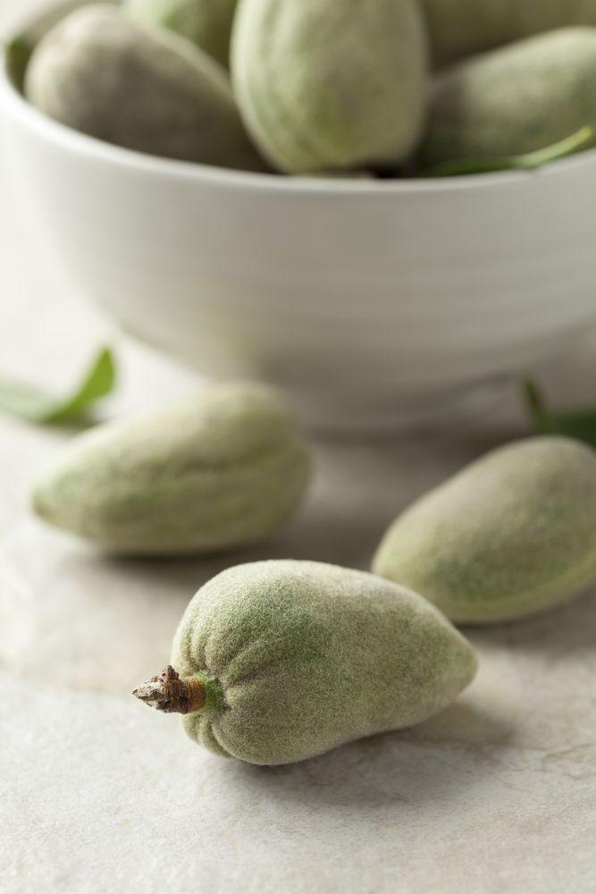 Calories In Green Almonds السعرات الحرارية في اللوز الأخضر Vegetables Food Onion