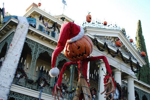 This is . . .Halloween? - Haunted Mansion Holiday