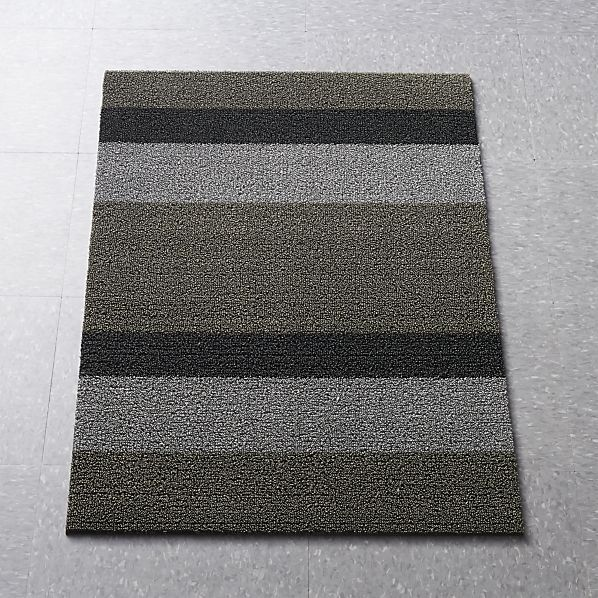 Chilewich Silver Black Striped 20 X36 Doormat Reviews Crate And Barrel Buying Carpet Door Mat Chilewich