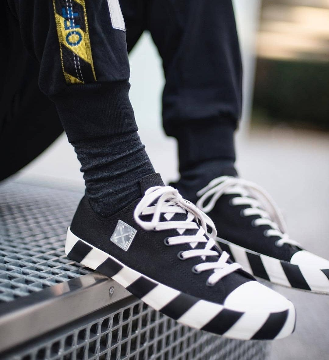 OFF WHITE Low Striped Sneakers  f7857be4e730