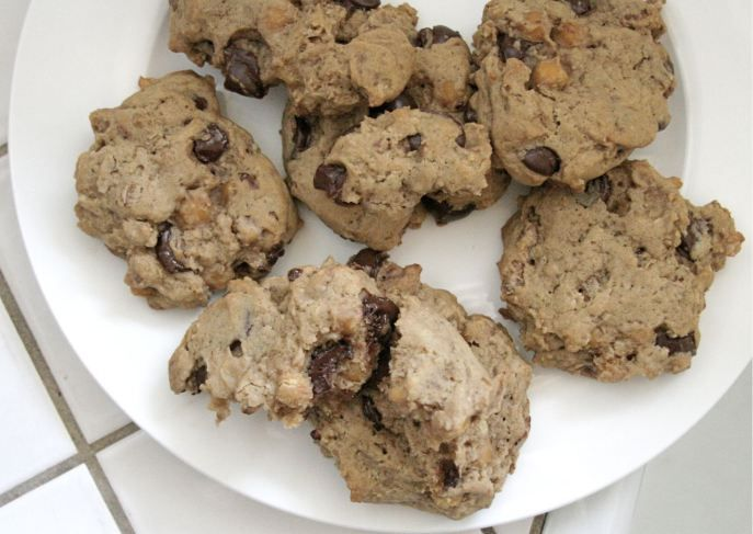 Chickpea Chocolate Chip Cookies!