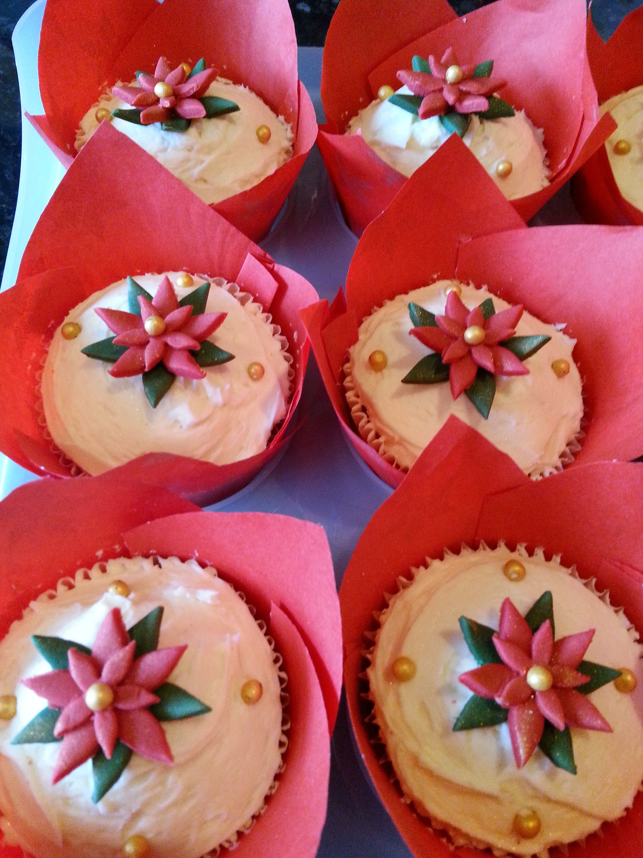 Christmas cupcakes cake design and cupcakes pinterest