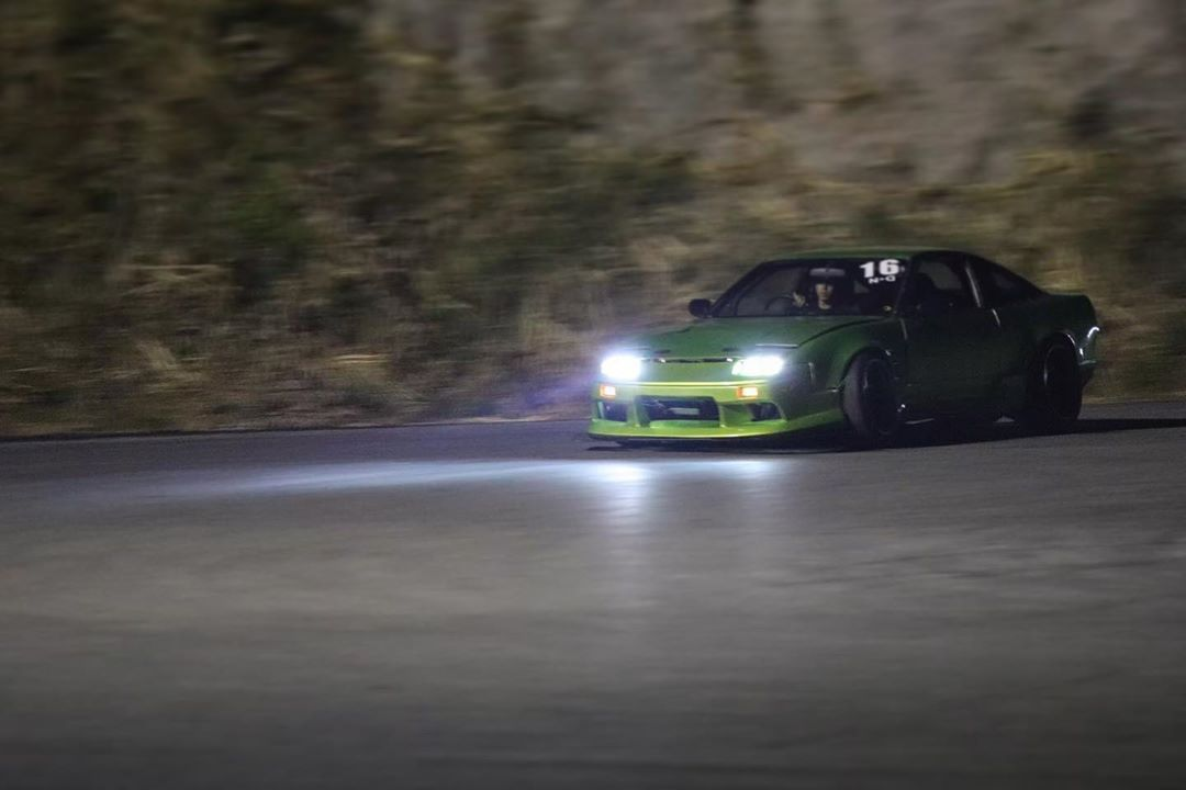 遅れましたがあけましておめでとうござます❗️⛩今年は2台とも車検とりたいです(笑)今年もよろしくお願いします🥺#diy#rps13#japanesecar#japancar#drift#ドリ車#180sxgram #180sx#240sx#driftcar#s15#s14#s13#silvia#drifts#cyclefender #車弄り#趣味#er34#r34skyline #gtr34 #34r#gtr#あけおめ #s15 Drift Cars