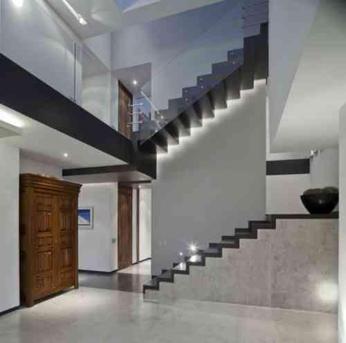 escalier int rieur quelques id es d 39 clairage moderne home pinterest escaliers. Black Bedroom Furniture Sets. Home Design Ideas