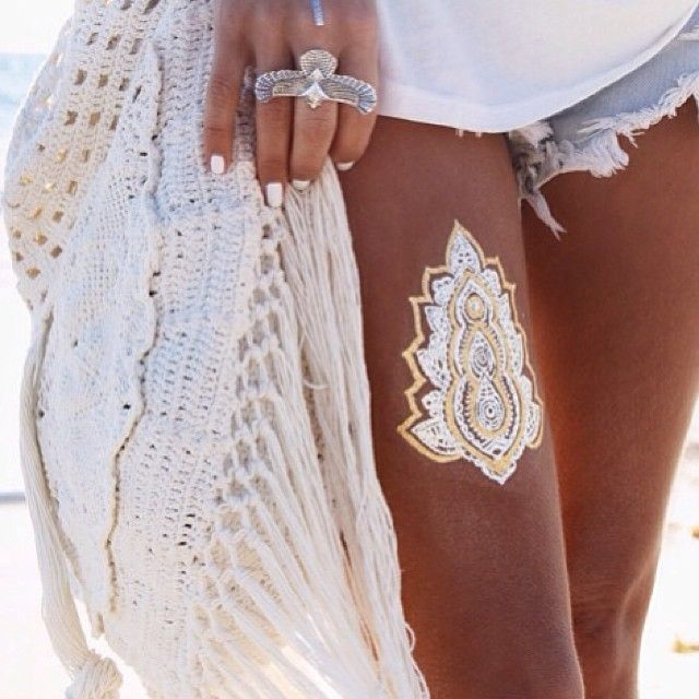 #ShareIG @gypsylovinlight showing off some leg and our @child_of_wild Flash Tattoos.