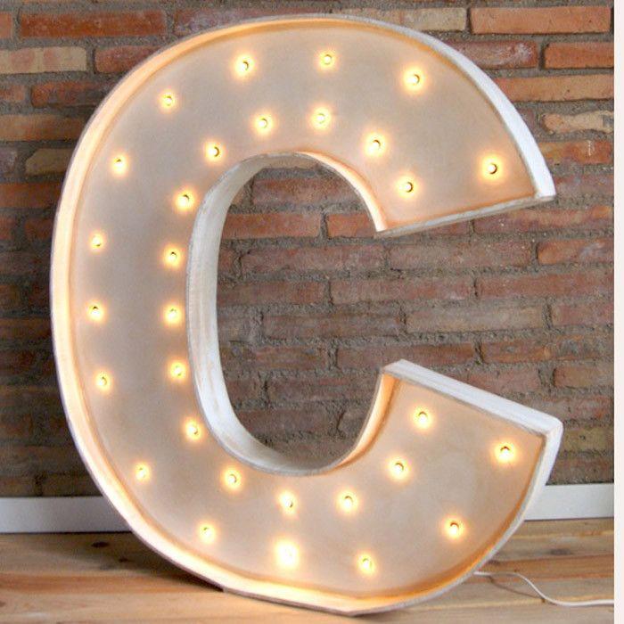 Letras con luz dise o productos y led for Letras luminosas decoracion