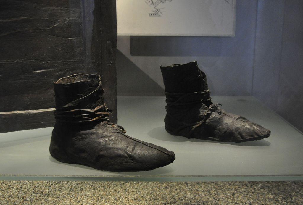 All sizes | Vikingatida skor, Oseberga, Vikingskipshuset