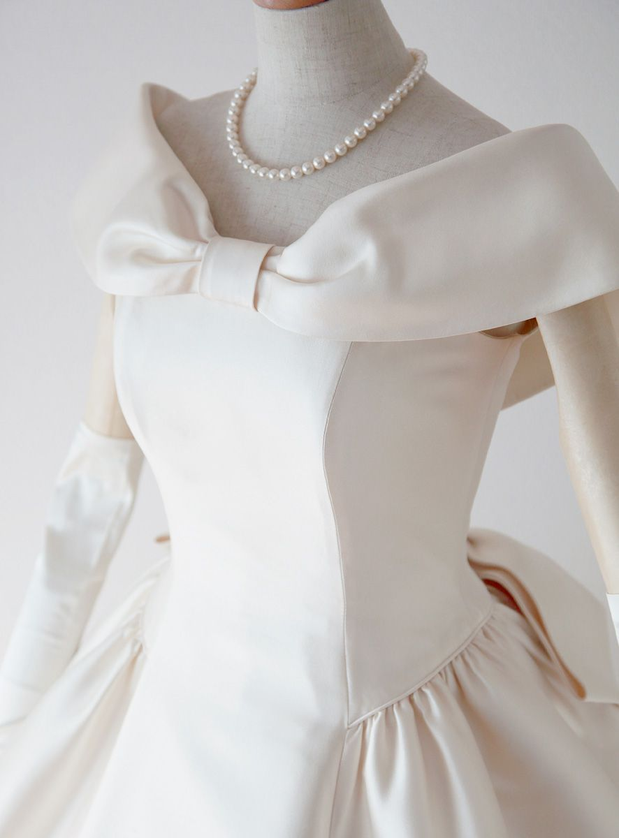 肩ありドレスのアップ ドレス 長袖 ウェディングドレス