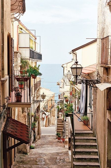 Overlooked by sun-seekers heading for Puglia and Sicily, Calabria has beautiful beaches and bags of attitude