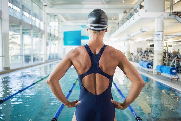 so purzeln die pfunde beim schwimmen sport schwimmen. Black Bedroom Furniture Sets. Home Design Ideas