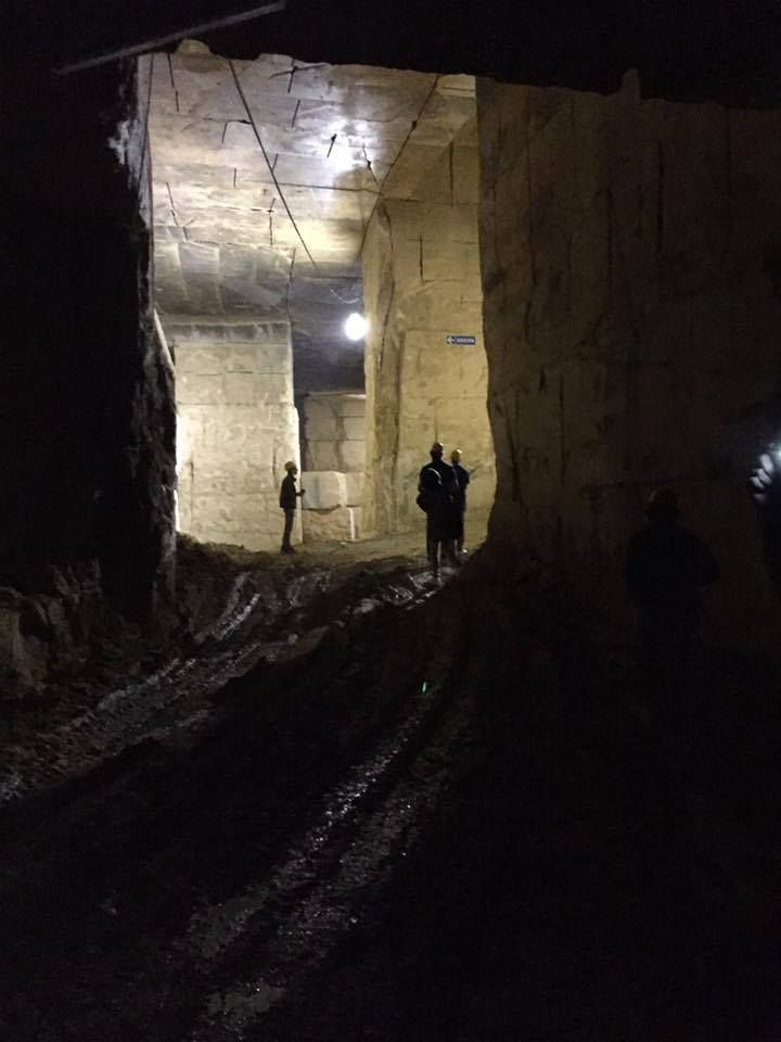 "Visita di un gruppo di architetti torinesi alle #cave di #GrassiPietre.  Toccare con mano, ""partecipare"" alle operazioni, vedere la bellezza della natura è stato un modo per condividere nel profondo la passione del nostro lavoro.  === Visit of Turin #architects group in #GrassiPietre #quarries. Touch, ""join"" operations, see the nature beauty o was a way to share in the our work deep passion."