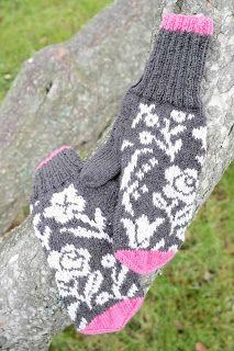 Roosa nauha Kukkaniitty -kuviolla lapaset.  kaksneljaseitteman.blogspot.fi