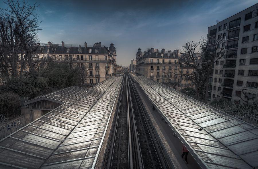 Passy Metro - Paris - HDR by Galdric Pons, via 500px.
