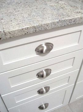 Kashmir White Granite Kitchen Cup Pulls Traditional Kitchen
