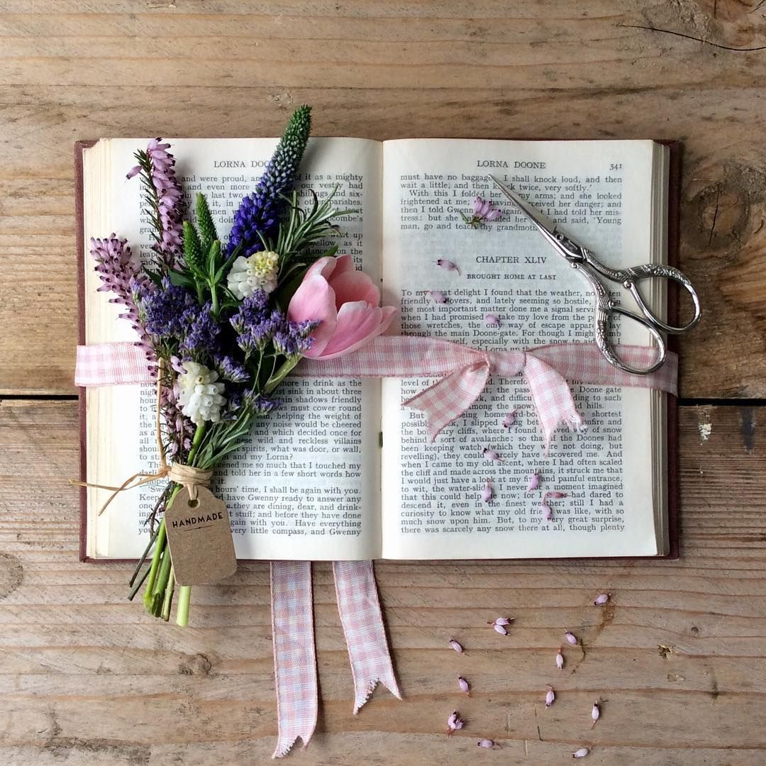 Flowers And Books Wildforflowers Flowerphotography Regram Via Oopsaditsy Iphone Wallpaper Vsco Book Photography Flowers Photography