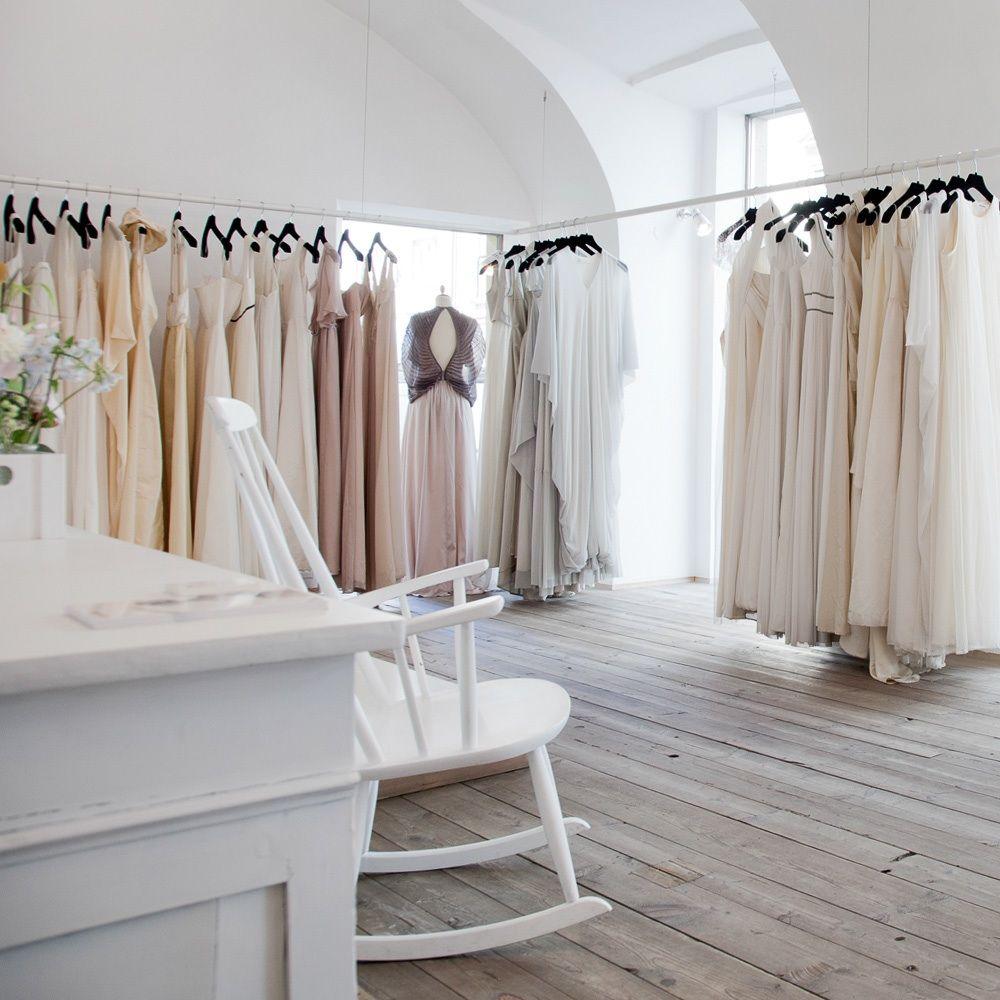 Elfenkleid Zauberhaftes Design Made In Vienna Elfenkleid Brautmode Und Brautladen