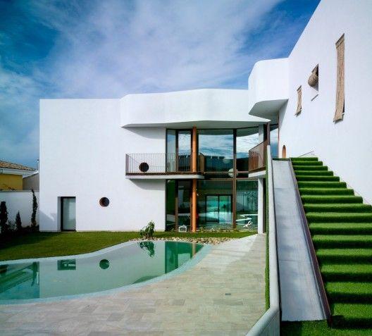 """""""Bird House"""" Single Family House / Semisótano arquitectos (RGRM arquitectos)"""