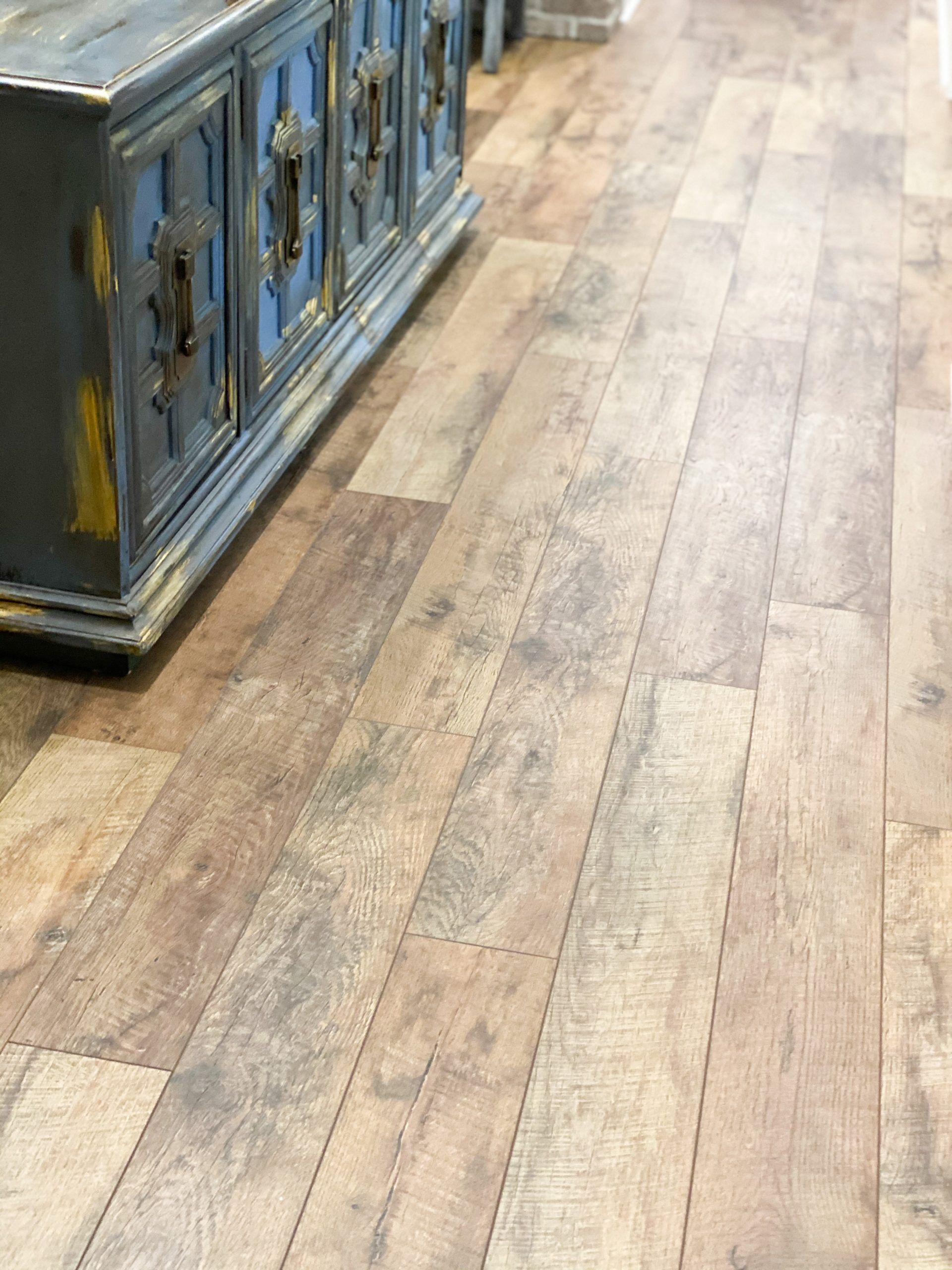 Where To Find The Best Laminate Flooring On A Budget Re Fabbed In 2020 Best Laminate Laminate Flooring Flooring
