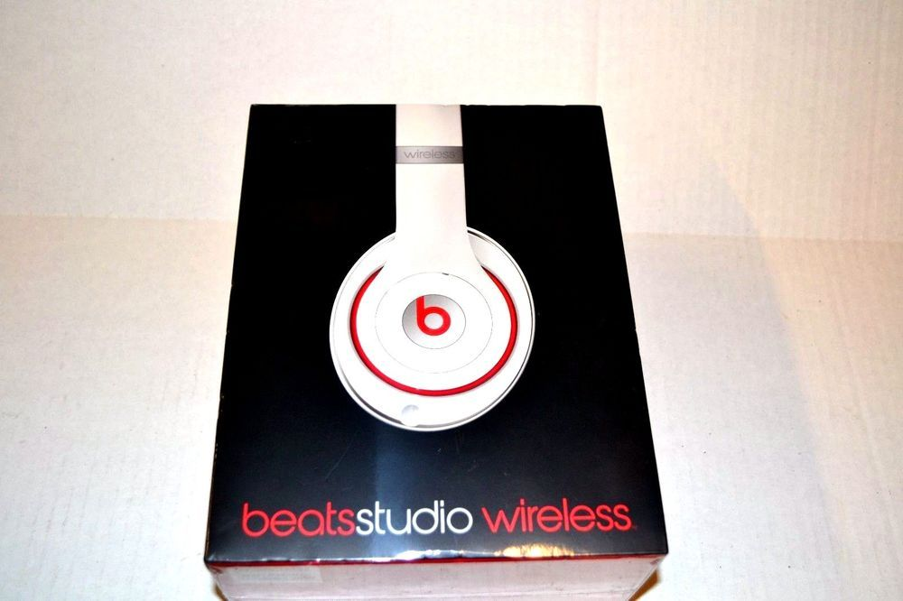 New In Factory Sealed Box Beats Studio Wireless Over Ear Headphone White 123 Beatsbydrdre White Headphones Over Ear Headphone Beats Studio Wireless