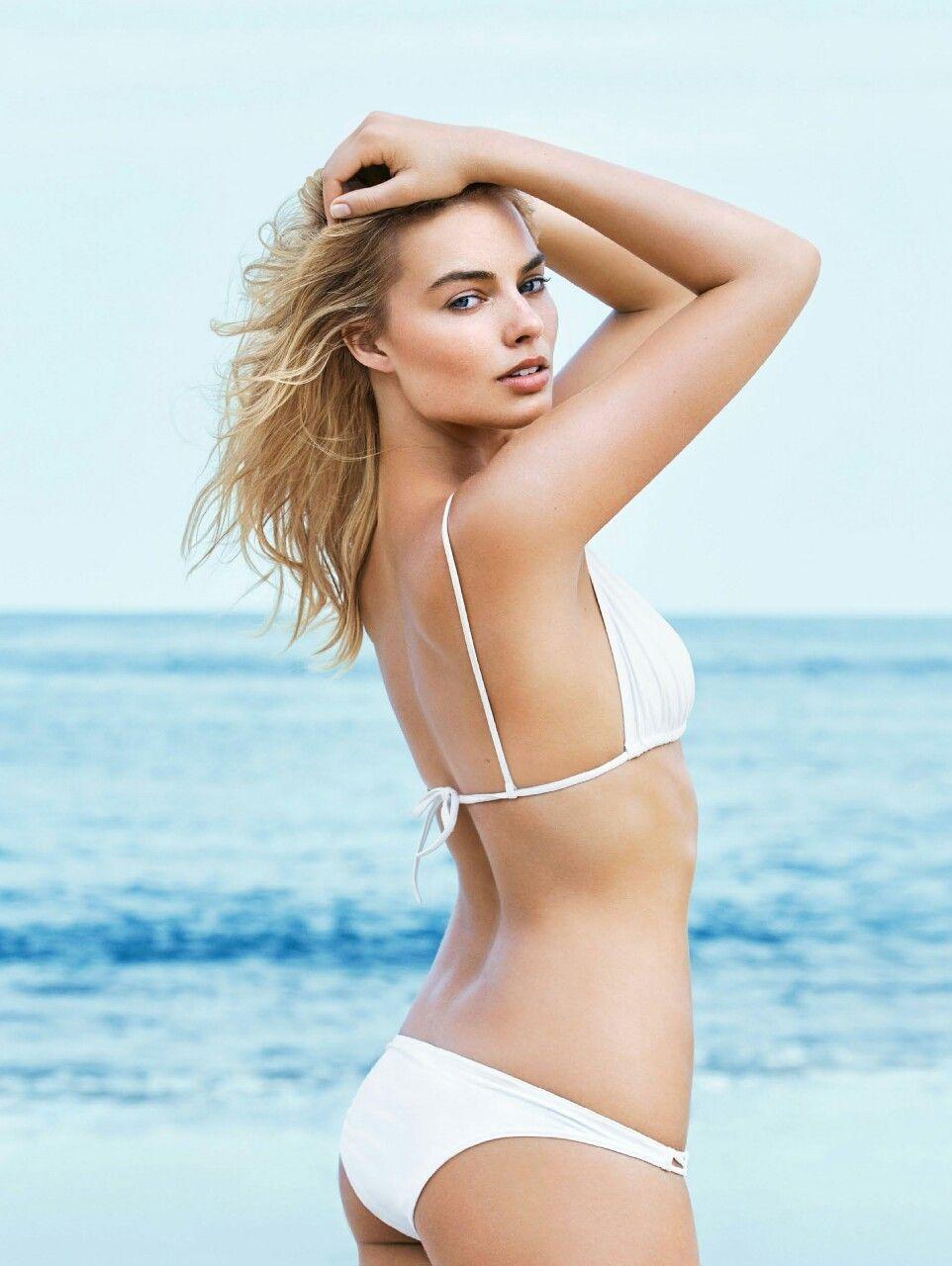 Margot robbie bikini