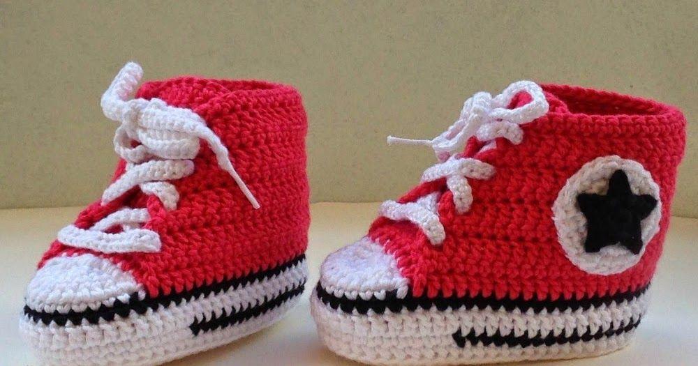 Zapatillas bebe tipo converse y calcetines