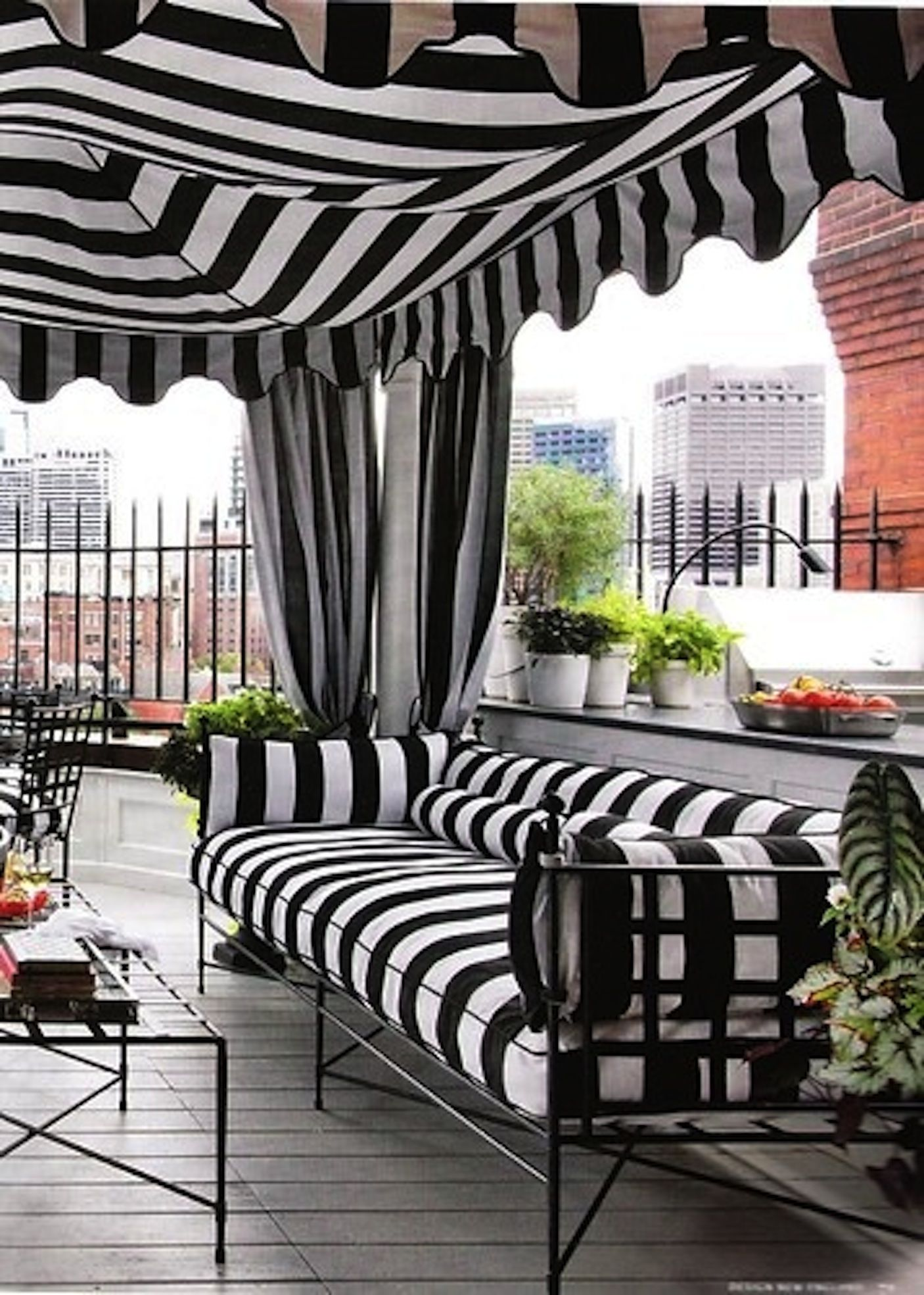 Black and White- I love this | Urban gardens- The commitment of all ...