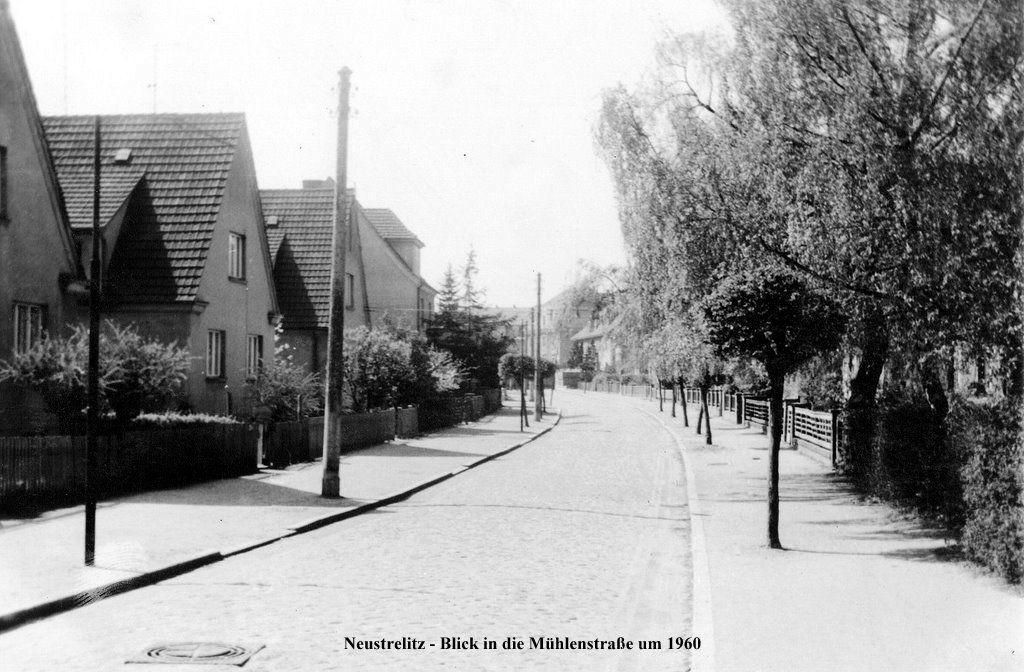 um 1960 Neustrelitz - Mühlenstraße, Mecklenburg-Vorpommern ☺
