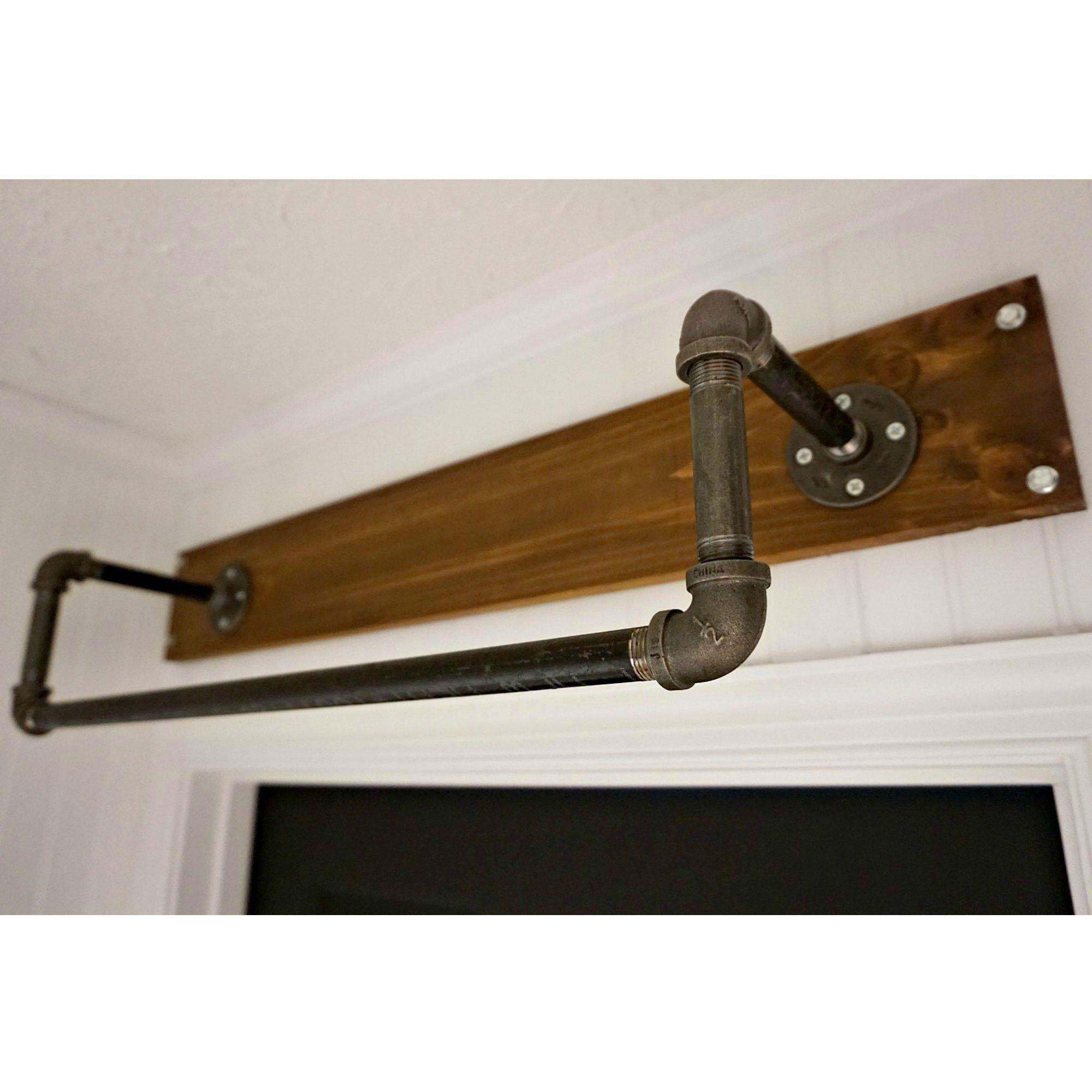 Rustikale badezimmerdekorideen industrial abovedoor hanging rod valet  wohnung  pinterest