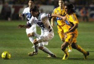 Pumas vs Tigres En Vivo por el Canal de las Estrellas Televisa Deportes Jornada 14 Clausura 2013 juegan hoy Domingo 14 de Abril a partir de las 12:00hrs Centro de México en el Estadio Olímpico Universitario. México, D.F.