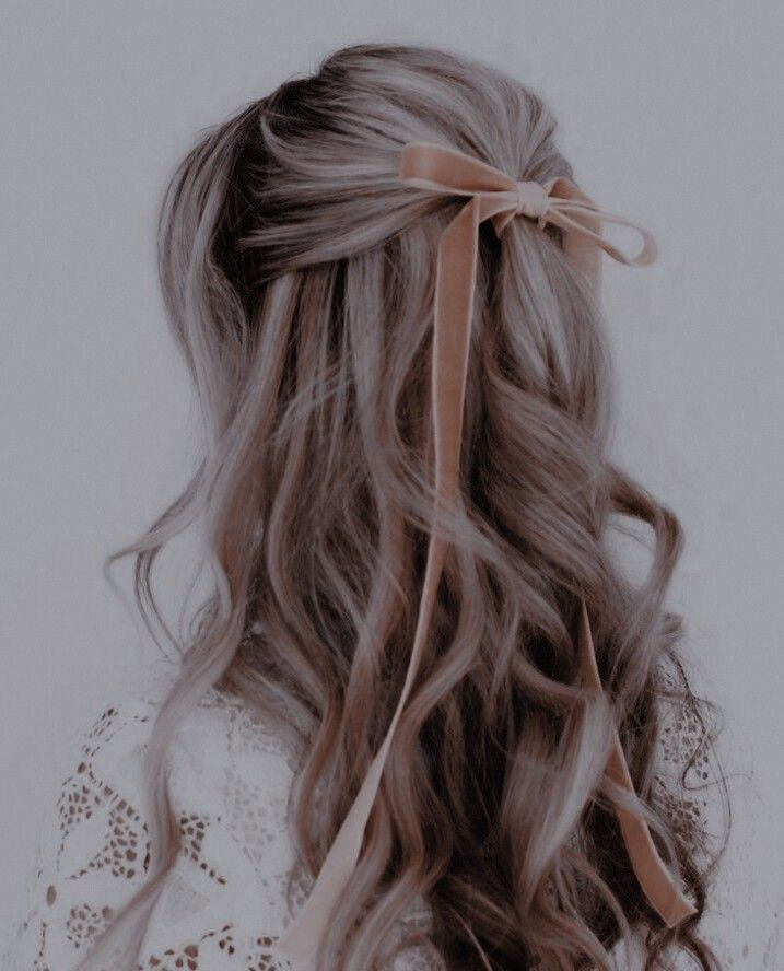 Pin By Jen On Disney Aesthetic Hair Royal Hairstyles Hair Styles