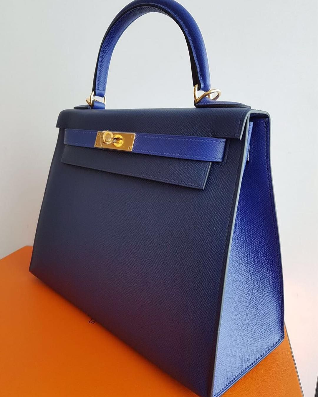 fa5e7da14c80 Hermes Kelly28 Sellier HSS Blue Sapphire   Blue Electric Epsom Sellier Ghw A