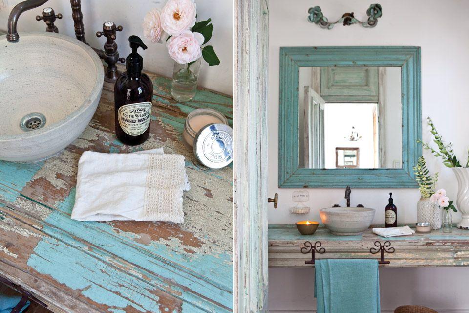 Un lindo toilette con recursos sencillos Hall and Interiors - bao de piedra