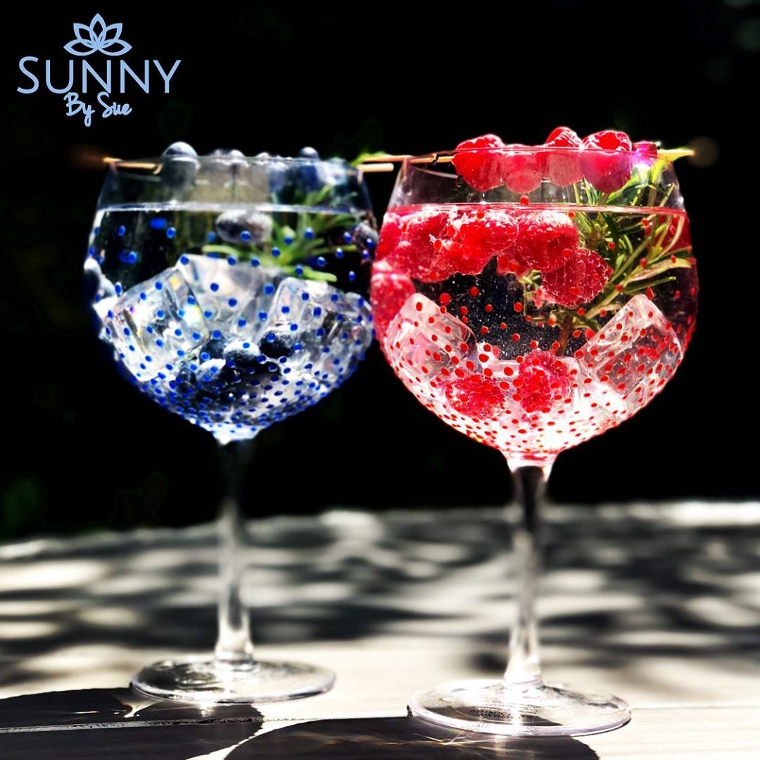 Sunny By Sue On Instagram Red Or Blue Or Both Ginglasses Sunnybysue Www Sunnybysue Com Gin Glasses Giftware Cocktail Photos