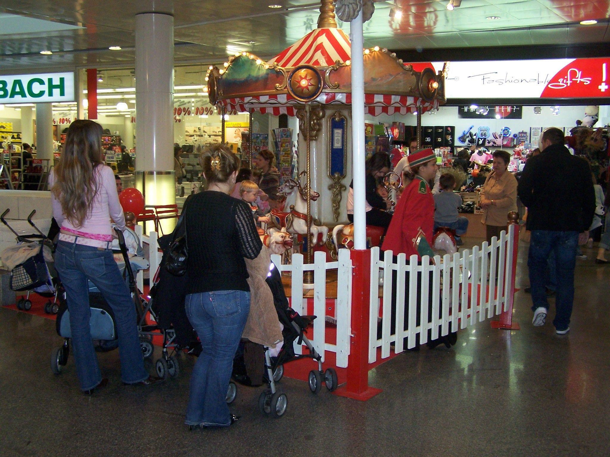 carrousel enfantin en location animation centre ville www