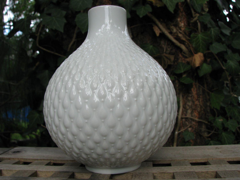 White op art 1960s vase balloon shaped porcelain edelstein white op art 1960s vase balloon shaped porcelain edelstein bavaria 9472 floridaeventfo Choice Image