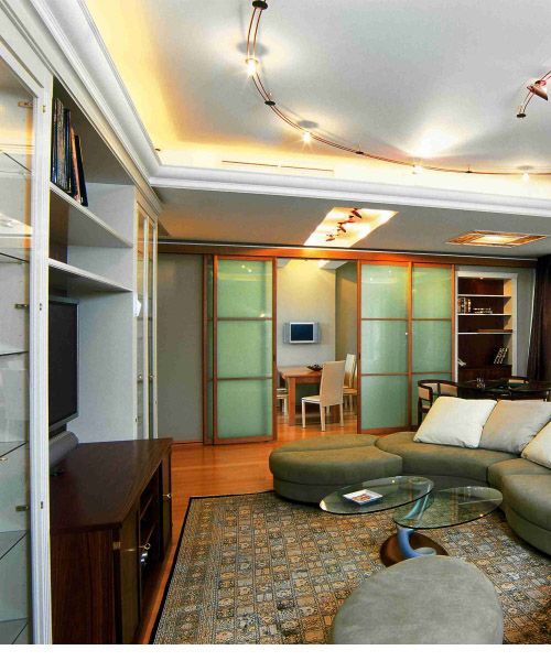 Living Room Decor With Crown Molding And Indirect Lighting For Ideas