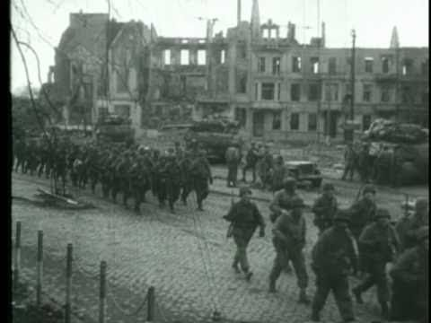 WWII Dramatic footage of River Crossing, 29th Crosses Roer, Germany, 1945, Jülich - YouTube